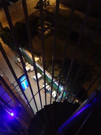 Hurriyet Hotel: Esterno