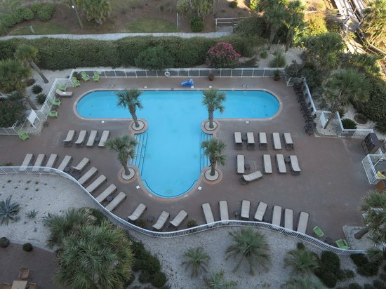 Courtyard Carolina Beach Oceanfront: Large  refreshing outdoor pool.