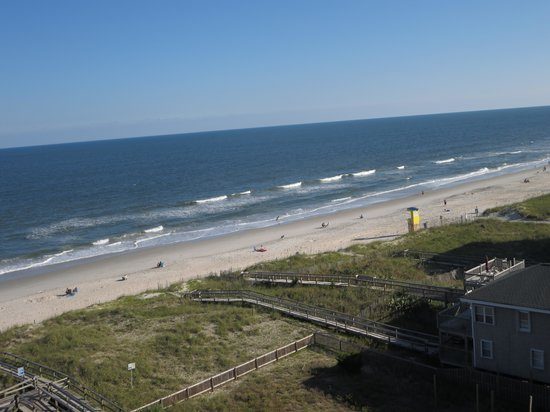 Courtyard Carolina Beach Oceanfront: View of Beach from higher rooms