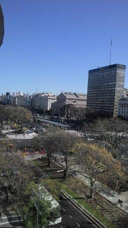 Pestana Buenos Aires Hotel: Vista do quarto 605, fundo teatro Colon