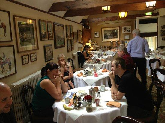 Mount Royale Hotel & Spa: Breakfast room