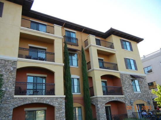 Holiday Inn Express El Dorado Hills Hotel: The rear