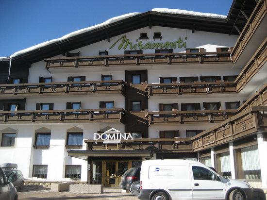 Hotel Miramonti Corvara: facciata dell'albergo