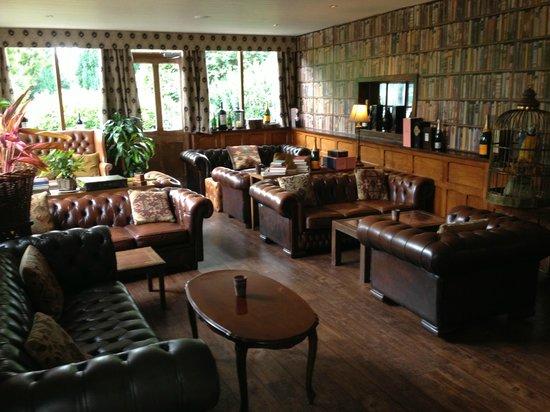 Mount Royale Hotel & Spa: Bar / lounge