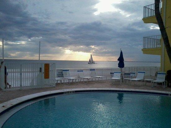 Sandpiper Gulf Resort: Sunset at Sandpiper