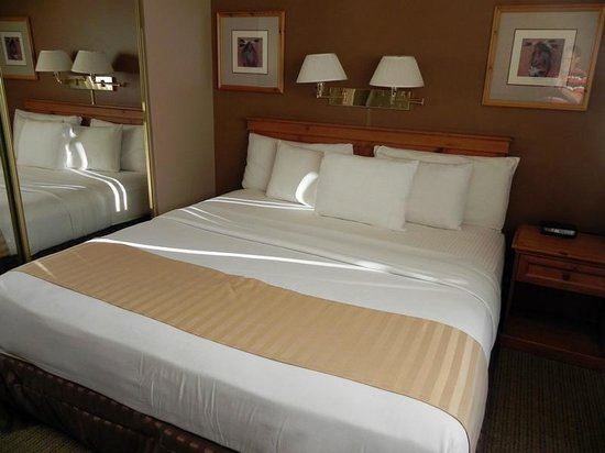 Legacy Vacation Resorts Steamboat Springs Suites: King Size Bed