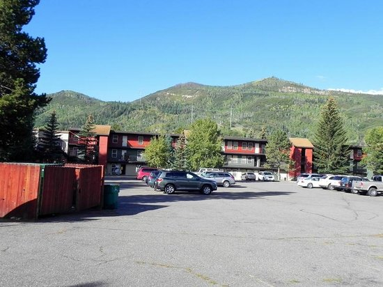 Legacy Vacation Resorts Steamboat Springs Suites: Front Parking
