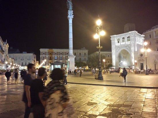 Colonna di Sant'Oronzo: Colonna santo'oronzo