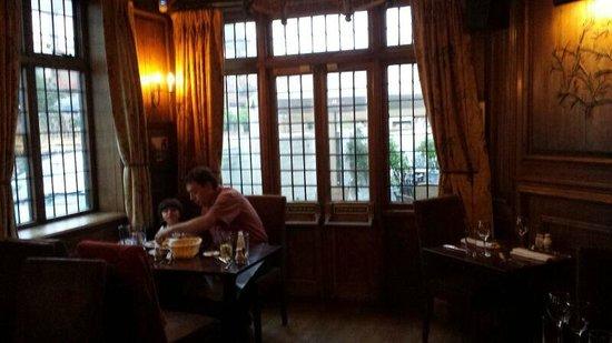 Tudors Restaurant: the restaurant inside