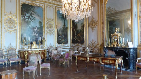 Ext rieur ch teau picture of chateau de chantilly for Interieur chateau