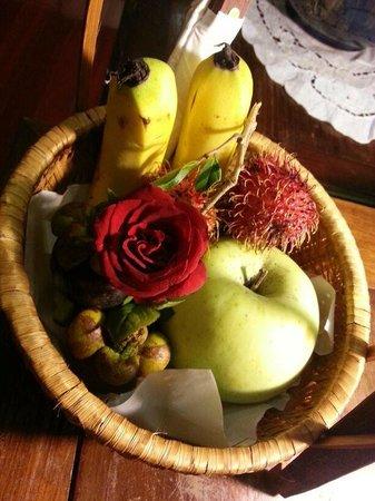 Hanoi Meracus Hotel 2: complementary fruit
