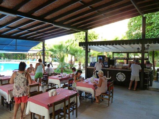 Sailor's Park Hotel: Essterasse
