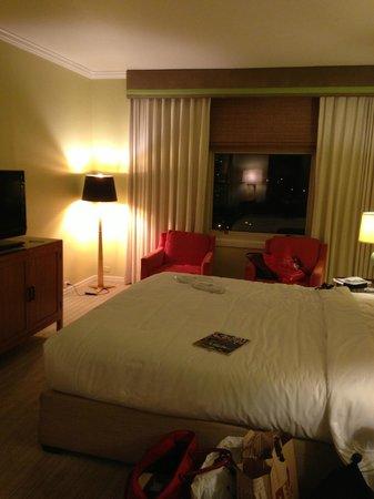 The Scarlet Huntington : Room 1