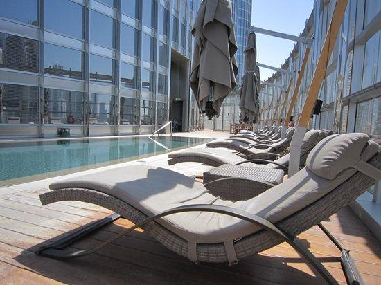 Armani Hotel Dubai: Nice Pool