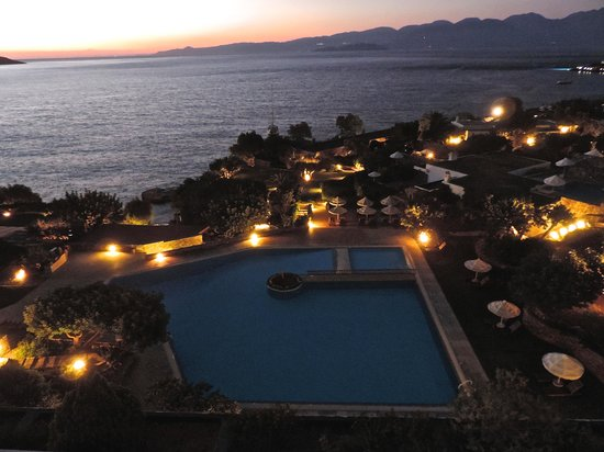 Elounda Mare Relais & Chateaux hotel: The pool from our room