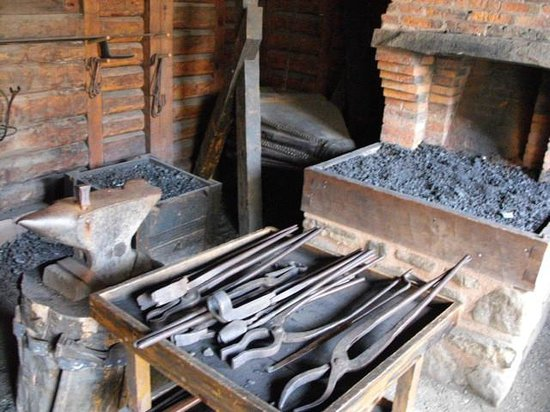 Port-Royal National Historic Site : Inside the blacksmith's shop.