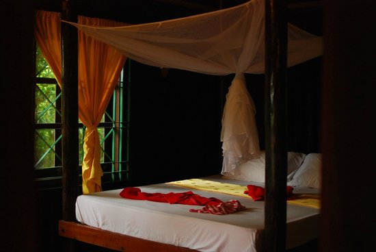 The Boat House : bed