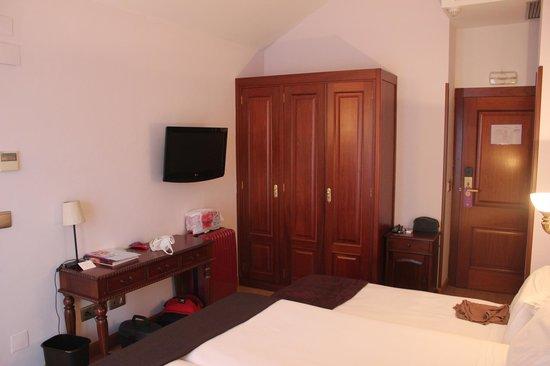 Ayre Hotel Alfonso II: Habitación