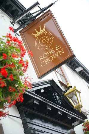Rose & Crown: Front of The Rose and Crown