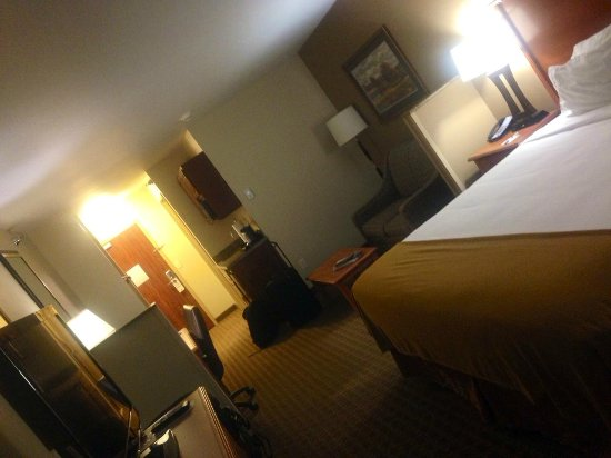 Holiday Inn Express Hotel & Suites Sioux Falls Southwest: large room