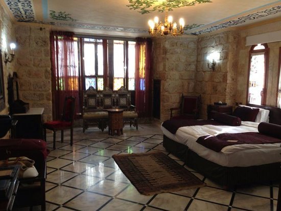 Assaha Hotel: Lebanese Room 301