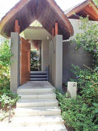 Renaissance Phuket Resort & Spa: Villa Entrance