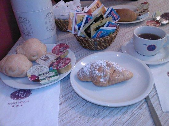 Hotel Urbani : colazione a buffet 1