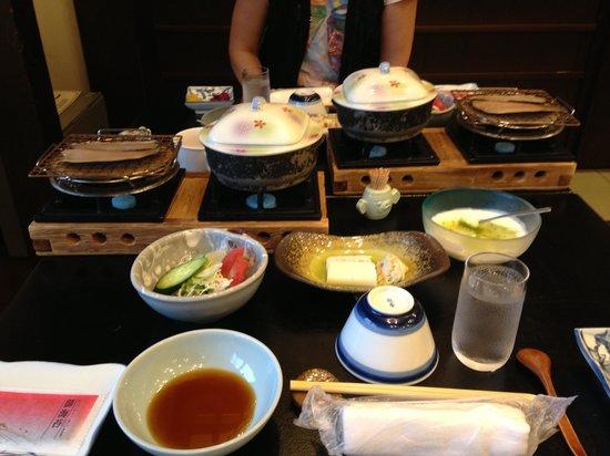 Izumiya Zenbei: 朝食です。