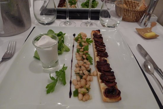 L'Alchimiste Restaurante : Cassoulet beans and mushrooms starter