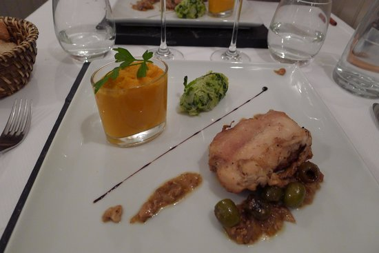 L'Alchimiste Restaurante : Rabbit and very pureed carrot main course