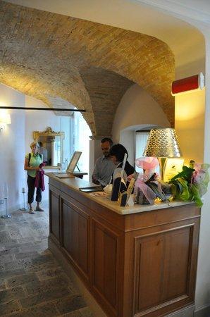 Hotel Palazzo dei Mercanti: Very friendly desk staff