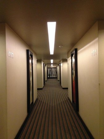 Hotel Real del Rio Tijuana: Pasillos