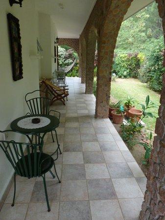 Villa Gaiarda: porticato1