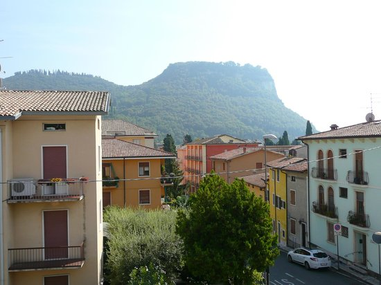 Hotel Villa Anthea: View from one of the windows