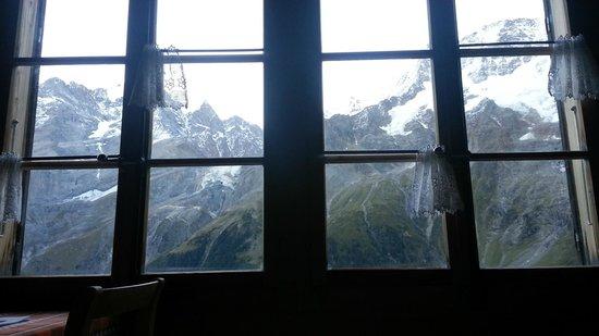 Berggasthaus Obersteinberg: Vindow view--wow!     -  Obersteinberg Hotel