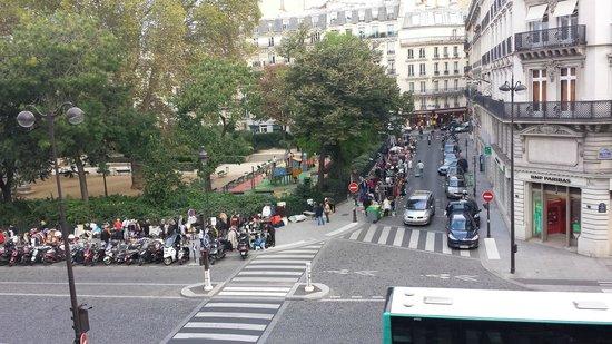 Hotel du Temps : there's a sunday flea market