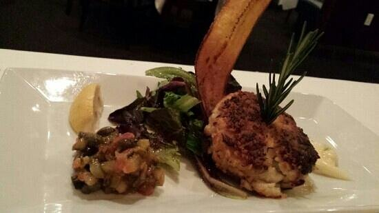 Blue Moon Seafood and Chophouse: Crab cake