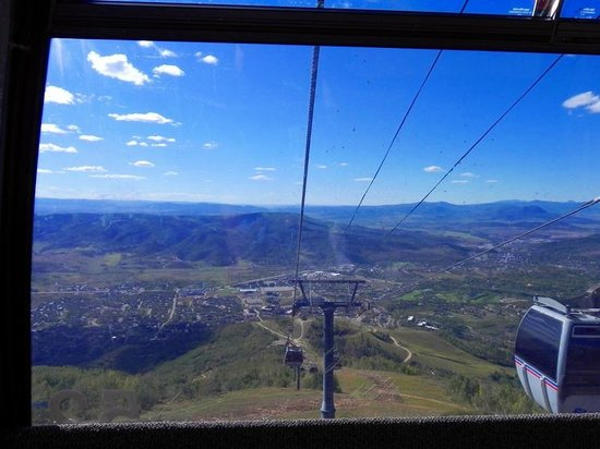 Steamboat Ski Resort: Valley View from Gondola