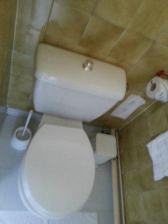 Hotel Agora: bathroom