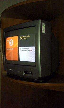 Premier Inn Knutsford (Bucklow Hill) Hotel: Old TV