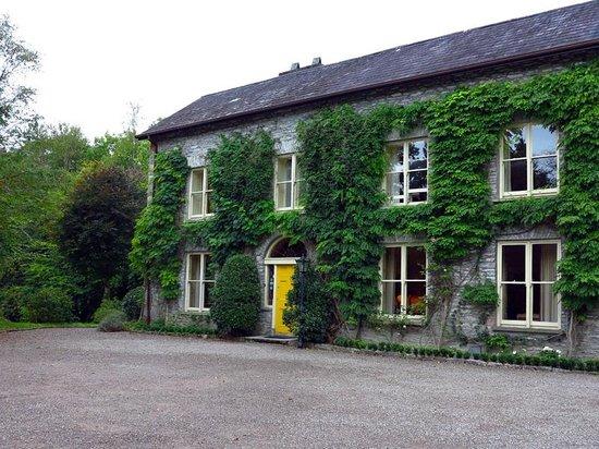 Shelburne Lodge