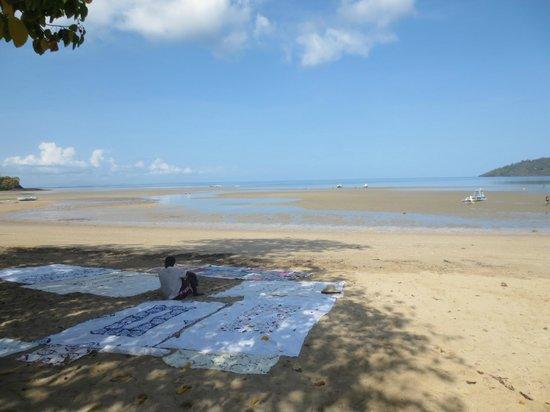 Loharano Hotel: la spiaggia dell'hotel