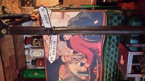 Dunnes Irish Bar Barcelona: The sign post