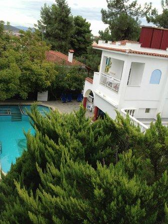 Hotel Melissa: Blick vom Balkon auf Pool