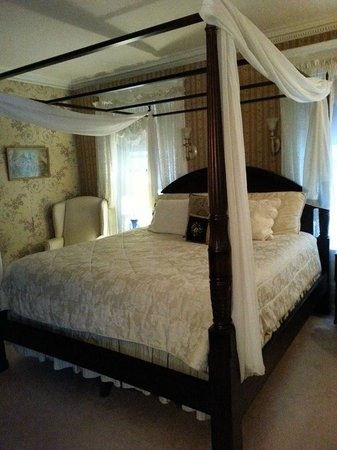 Olcott House Bed and Breakfast Inn: Bed