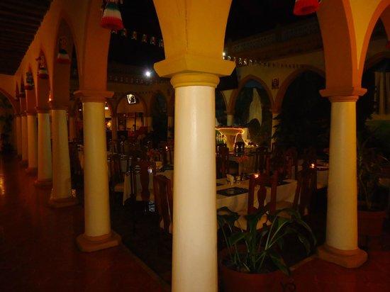 Mansion de Los Angeles: El Restaurant...