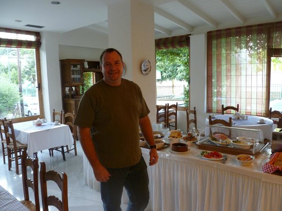 Hotel Pelops: Breakfast area, great food