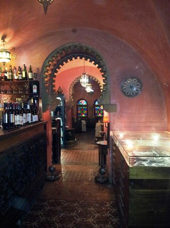 Darna Moroccan Restaurant : inside the amazing restaurant