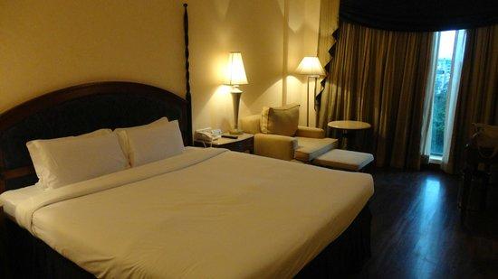 Radisson Hotel Varanasi: La Camera