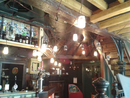 The Redhouse: Quirky Atmosphere